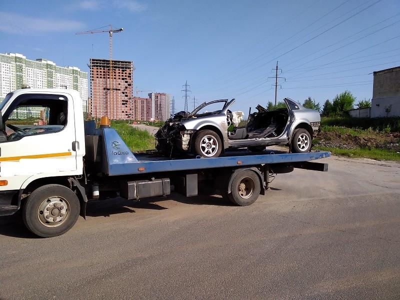 Перевозка автомобиля на разборку
